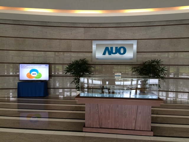 AUO02